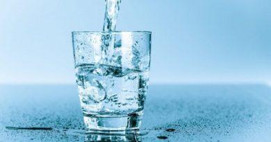 Сколько воды нужно пить ежедневно. Медицинские аспекты. Читайте подробнее: http://hub1news.com/%d1%81%d0%ba%d0%be%d0%bb%d1%8c%d0%ba%d0%be-%d0%b2%d0%be%d0%b4%d1%8b-%d0%bd%d1%83%d0%b6%d0%bd%d0%be-%d0%bf%d0%b8%d1%82%d1%8c-%d0%b5%d0%b6%d0%b5%d0%b4%d0%bd%d0%b5%d0%b2%d0%bd%d0%be-%d0%bc%d0%b5%d0%b4/