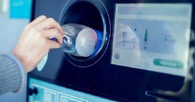 На украинских улицах могут появиться автоматы по сбору пластиковых бутылок Читайте подробнее: http://hub1news.com/%d0%bd%d0%b0-%d1%83%d0%ba%d1%80%d0%b0%d0%b8%d0%bd%d1%81%d0%ba%d0%b8%d1%85-%d1%83%d0%bb%d0%b8%d1%86%d0%b0%d1%85-%d0%bc%d0%be%d0%b3%d1%83%d1%82-%d0%bf%d0%be%d1%8f%d0%b2%d0%b8%d1%82%d1%8c%d1%81%d1%8f/