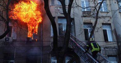 Пожар в Одессе: число погибших возросло до 12 человек Читайте подробнее: http://hub1news.com/%d0%bf%d0%be%d0%b6%d0%b0%d1%80-%d0%b2-%d0%be%d0%b4%d0%b5%d1%81%d1%81%d0%b5-%d1%87%d0%b8%d1%81%d0%bb%d0%be-%d0%bf%d0%be%d0%b3%d0%b8%d0%b1%d1%88%d0%b8%d1%85-%d0%b2%d0%be%d0%b7%d1%80%d0%be%d1%81%d0%bb/