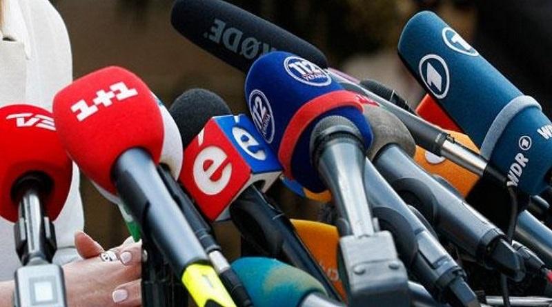 В Украине хотят запретить позитивные новости о России, «ДНР» и «ЛНР» Читайте подробнее: http://hub1news.com/%d0%b2-%d1%83%d0%ba%d1%80%d0%b0%d0%b8%d0%bd%d0%b5-%d1%85%d0%be%d1%82%d1%8f%d1%82-%d0%b7%d0%b0%d0%bf%d1%80%d0%b5%d1%82%d0%b8%d1%82%d1%8c-%d0%bf%d0%be%d0%b7%d0%b8%d1%82%d0%b8%d0%b2%d0%bd%d1%8b%d0%b5/