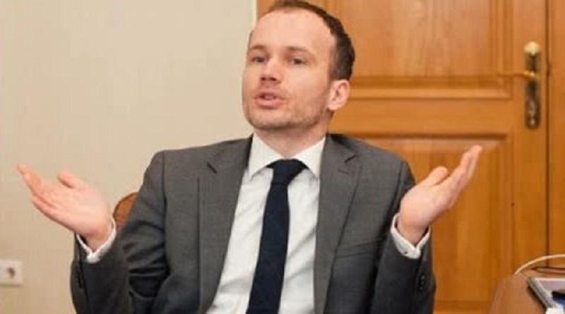 Министры Милованов и Малюська подали в отставку из-за низких зарплат — нардеп Читайте подробнее: http://hub1news.com/%d0%bc%d0%b8%d0%bd%d0%b8%d1%81%d1%82%d1%80%d1%8b-%d0%bc%d0%b8%d0%bb%d0%be%d0%b2%d0%b0%d0%bd%d0%be%d0%b2-%d0%b8-%d0%bc%d0%b0%d0%bb%d1%8e%d1%81%d1%8c%d0%ba%d0%b0-%d0%bf%d0%be%d0%b4%d0%b0%d0%bb%d0%b8/