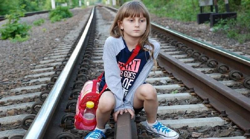 Порушення прав дітей, шляхом децентралізації Читайте подробнее: http://hub1news.com/%d0%bf%d0%be%d1%80%d1%83%d1%88%d0%b5%d0%bd%d0%bd%d1%8f-%d0%bf%d1%80%d0%b0%d0%b2-%d0%b4%d1%96%d1%82%d0%b5%d0%b9-%d1%88%d0%bb%d1%8f%d1%85%d0%be%d0%bc-%d0%b4%d0%b5%d1%86%d0%b5%d0%bd%d1%82%d1%80%d0%b0/