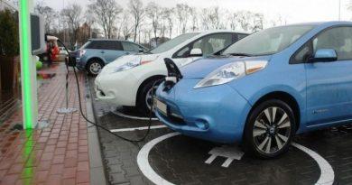 Украинцы будут платить штраф за парковку на месте электрокара Читайте подробнее: https://hub1news.com/%d1%83%d0%ba%d1%80%d0%b0%d0%b8%d0%bd%d1%86%d1%8b-%d0%b1%d1%83%d0%b4%d1%83%d1%82-%d0%bf%d0%bb%d0%b0%d1%82%d0%b8%d1%82%d1%8c-%d1%88%d1%82%d1%80%d0%b0%d1%84-%d0%b7%d0%b0-%d0%bf%d0%b0%d1%80%d0%ba%d0%be/
