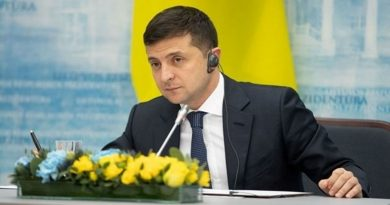 В Румынии разгорелся скандал из-за речи Зеленского Читайте подробнее: https://hub1news.com/%d0%b2-%d1%80%d1%83%d0%bc%d1%8b%d0%bd%d0%b8%d0%b8-%d1%80%d0%b0%d0%b7%d0%b3%d0%be%d1%80%d0%b5%d0%bb%d1%81%d1%8f-%d1%81%d0%ba%d0%b0%d0%bd%d0%b4%d0%b0%d0%bb-%d0%b8%d0%b7-%d0%b7%d0%b0-%d1%80%d0%b5%d1%87/