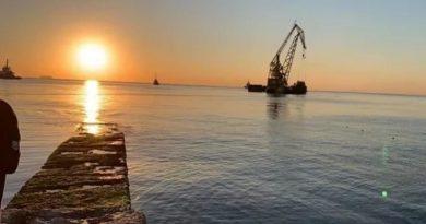 Затонувший танкер Delfi убрали с пляжа Одессы
