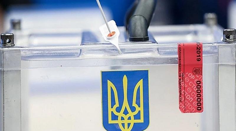 Дезинфекция, свои ручки и ограниченное количество голосующих: Кабмин утвердил правила проведения предстоящих местных выборов
