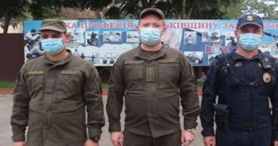 В Одессе мошенники обыскивали прохожих, представляясь нацгвардейцами