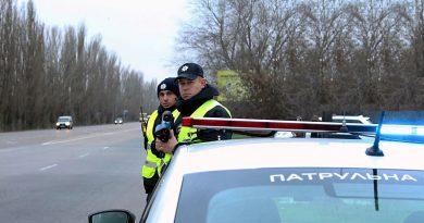 Без доказів правопорушення поліцейський не має права вимагати від водія документи – висновок суду!