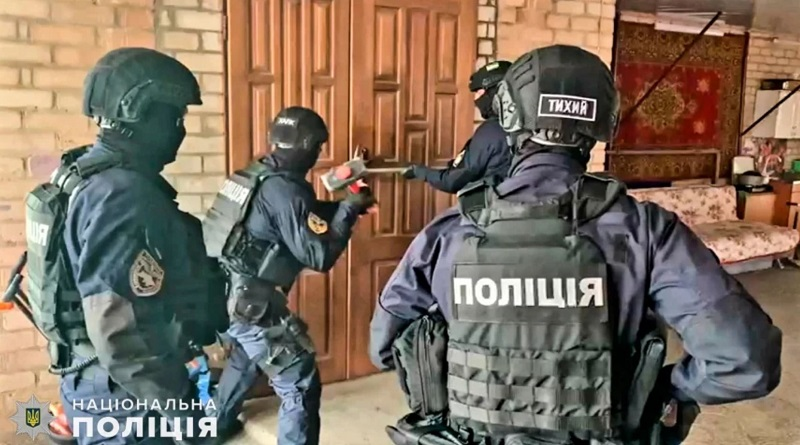 Николаевские полицейские задержали банду аферистов «неславянского происхождения»