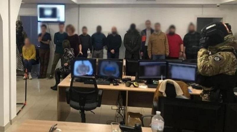 Полицейские «накрыли» сеть call-центров, сотрудники которых обманывали граждан ЕС