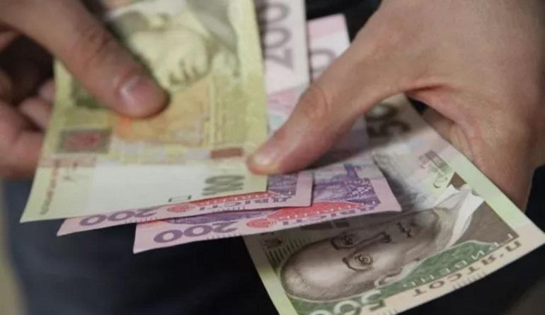 Повышение зарплат: в Кабмине рассказали, кто получит надбавки