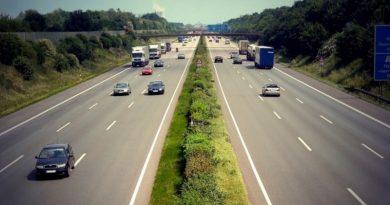 Кабмин установил стоимость проезда по платным автодорогам