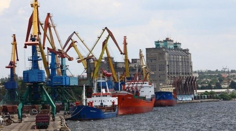 В Украине планируют за четыре года передать все порты в частные руки