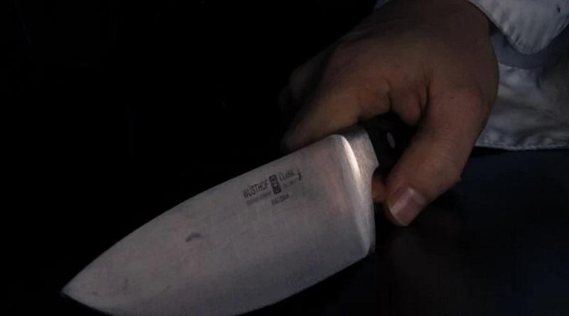 В Измаиле мужчина кидал снежки по памятнику морякам и получил нож в спину