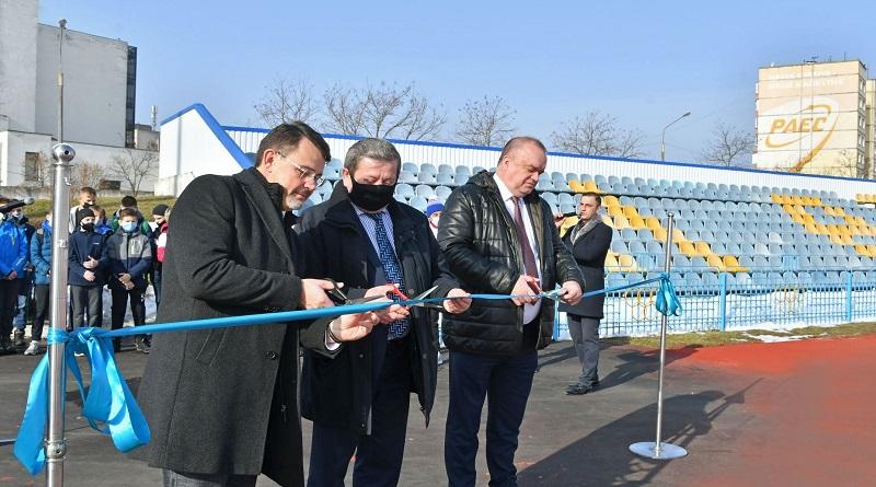Керівник Енергоатома відкрив оновлений спорткомплекс РАЕС «Ізотоп»