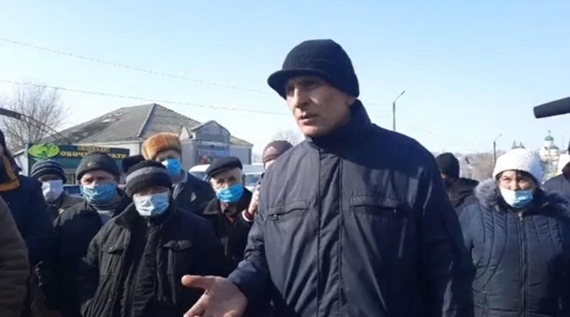 В Первомайске жители перекрыли трассу: требуют вернуть скидки на электричество