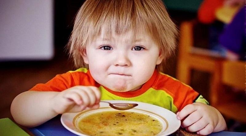 Как проконтролировать качество питания в детсаду и что делать в случае отравления: советы Союза потребителей Украины
