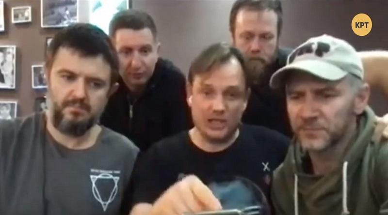 Журналисты и блогеры проводят брифинг после задержания на Закарпатье