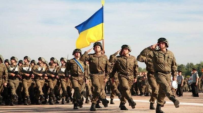 Военная стратегия Украины предусматривает отказ от срочной службы и переход армии на контракт