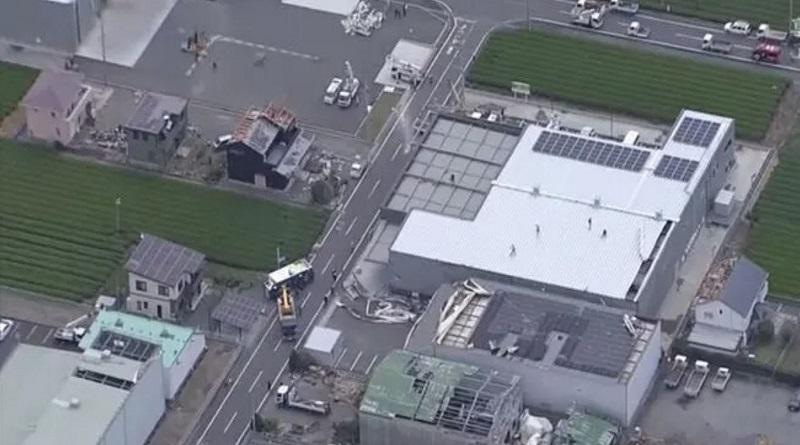В Японии торнадо разрушал дома. ВИДЕО