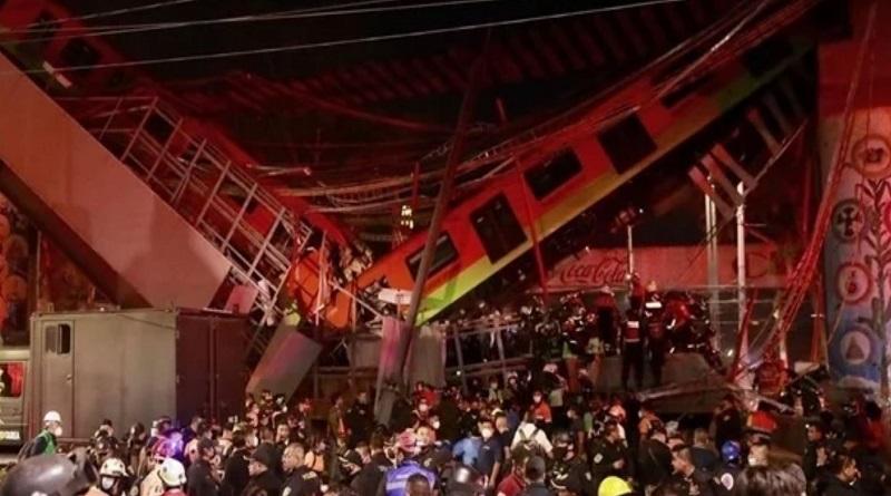 В Мехико рухнул мост под весом поезда, много погибших