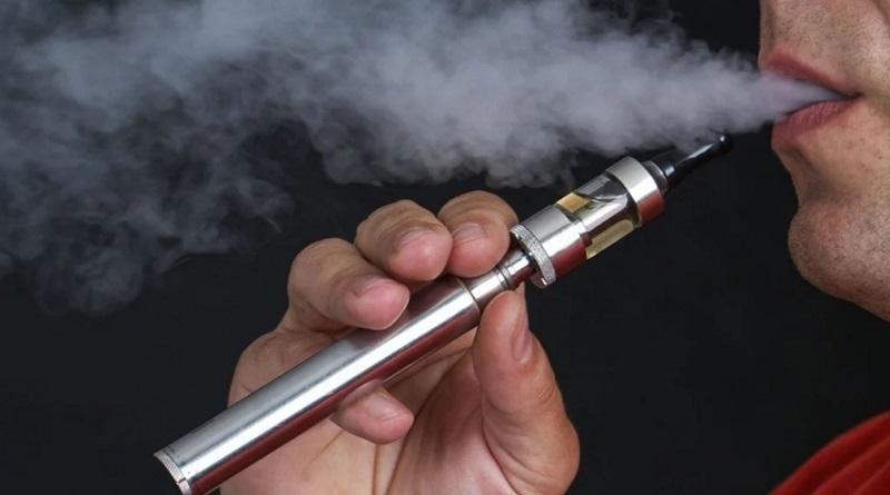 В Украине готовят запрет на курение электронных сигарет в общественных местах