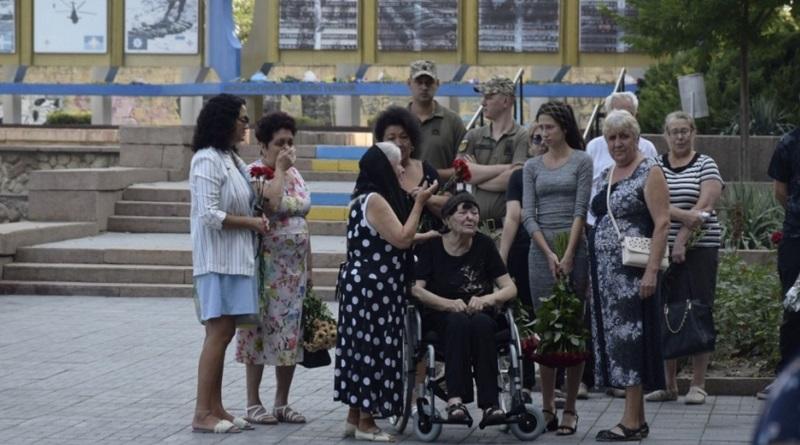 В Николаеве попрощались с бойцом, погибшим в зоне ООС