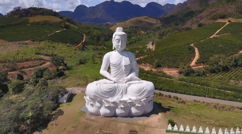 В Бразилии открыли статую Будды, которая выше монумента Христа в Рио-де-Жанейро (фото)
