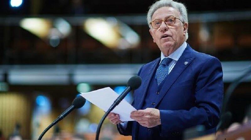 Венецианская комиссия попросила предоставить одобренный Радой текст закона об олигархах