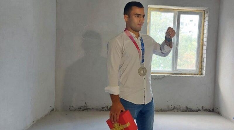 Николаевскому серебряному призеру Олимпиады Насибову подарили квартиру