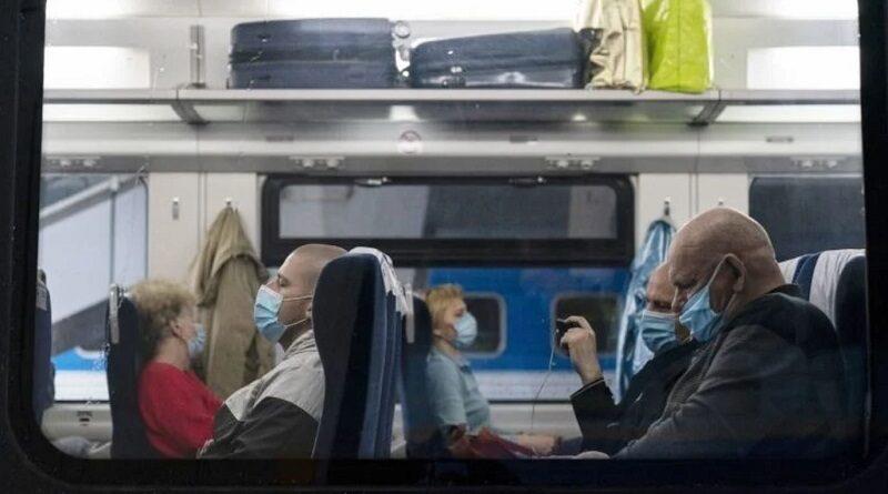 """Какой-то дурдом: украинцы высказали все, что думают о """"карантине на транспорте"""""""